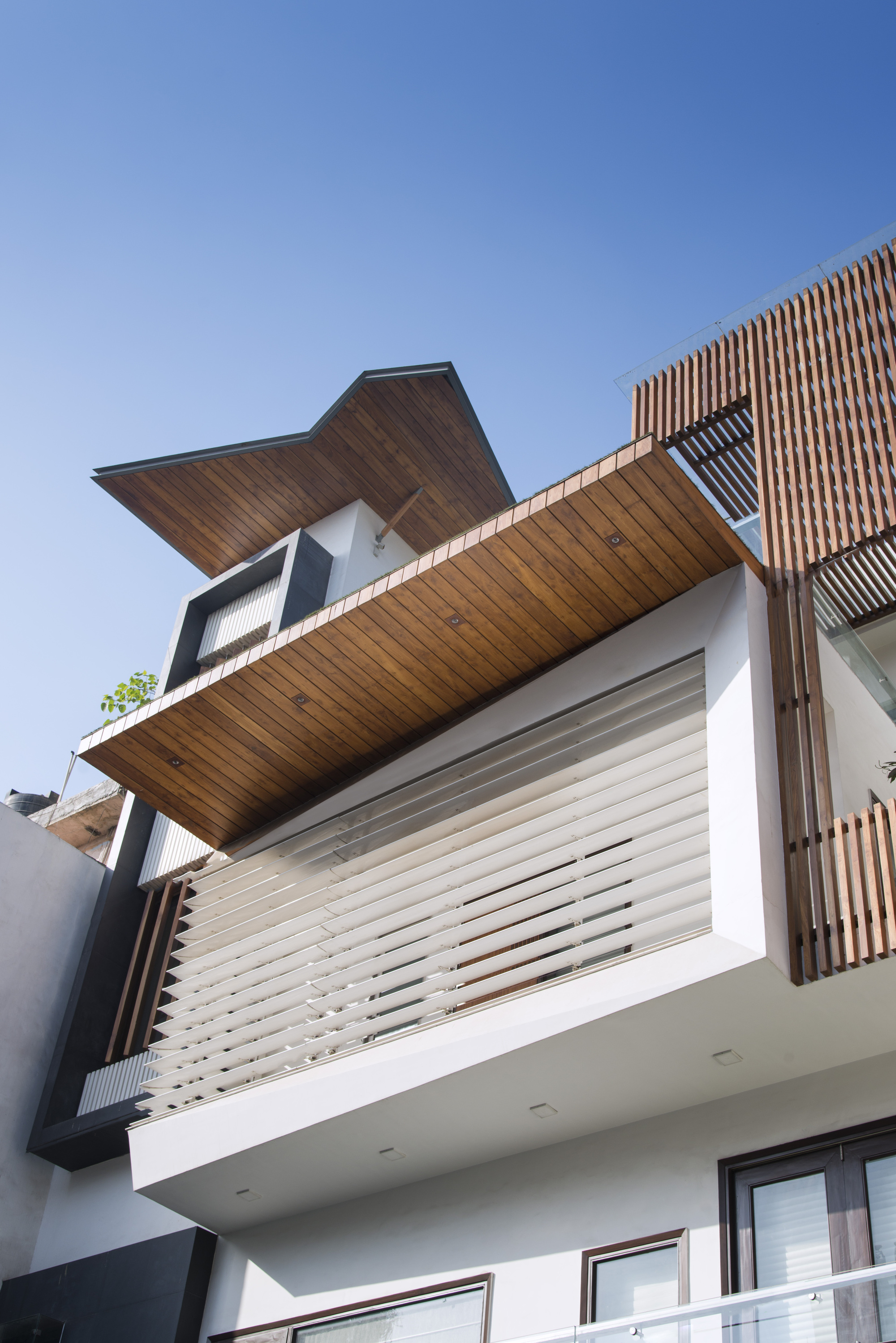 Gallery of j house spaces architects ka 21 for Spaces architects safdarjung