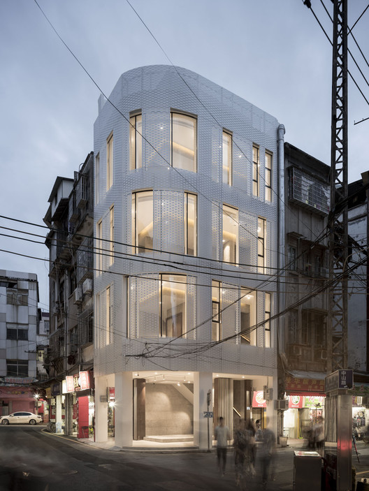 Old Building Renovation on Zhenbang Road / TEAM BLDG, © Eiichi Kano