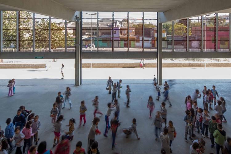 """Exposição """"Arquitetura Escolar Pública Paulista 1890 – 2017"""", Exposição aborda a trajetória da FDE e nos remete à história da arquitetura escolar pública paulista ao apresentar os projetos mais significativos de cada período"""