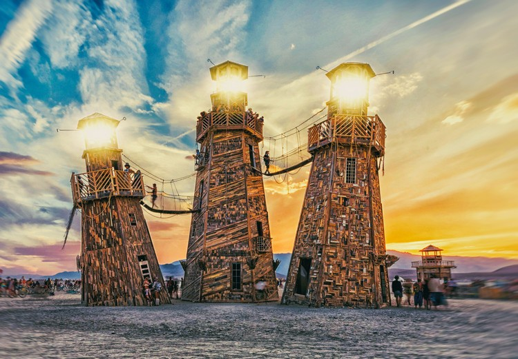 Building Burning Man: The Unique Architectural Challenges of Setting Up a City in the Desert, The Black Rock Lighthouse Service by Jonny & Max Poynton. Image © Joe Sale