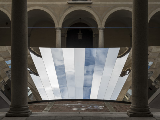 Open Sky / COS & Phillip K. Smith. Image Courtesy of Lance Gerber