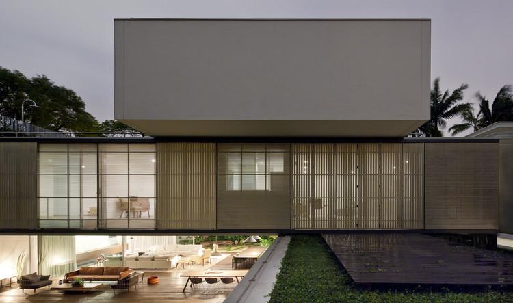 Casa Bélgica / AMZ Arquitetos, © Maira Acayaba
