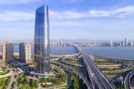 Nanchang Sinic Center / Shanghai Tianhua Architecture Planning & Engineering