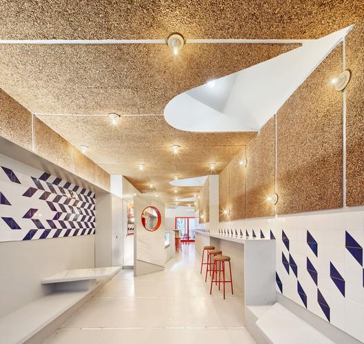 Reforma Bar El Villa - Vermuteria del Mar / AMOO | Aureli Mora + Omar Ornaque
