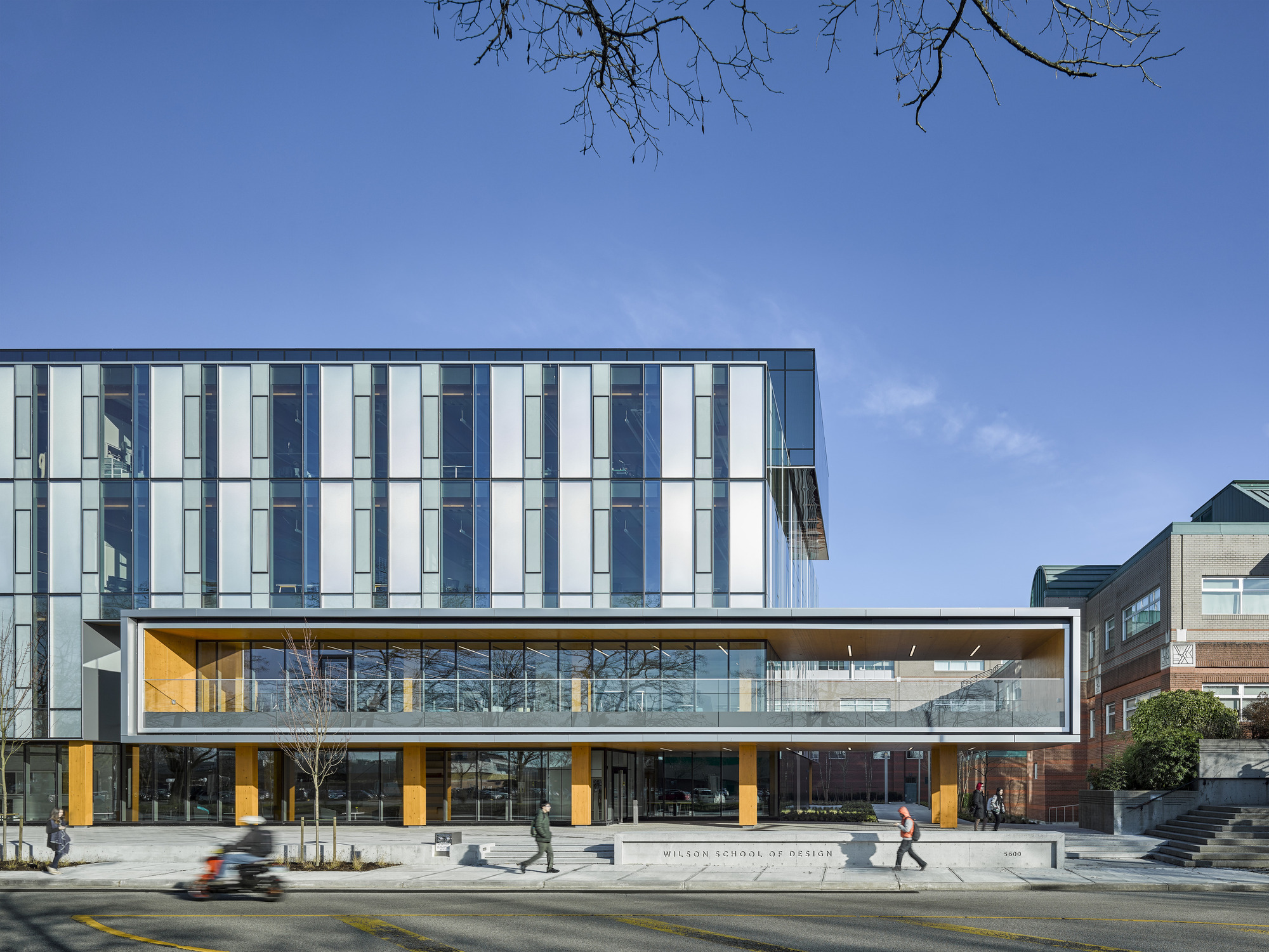 architecture wilson kpmb architects communication building university kpu facade archdaily exterior kwantlen polytechnic universities interior read latreille andrew
