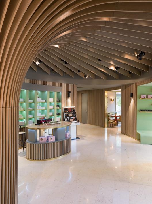 Telli Bio Boutique / Arrow architects