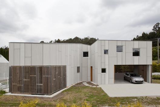 House in Uxes / terceroderecha arquitectos