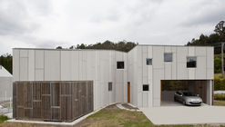 Casa en Uxes / terceroderecha arquitectos