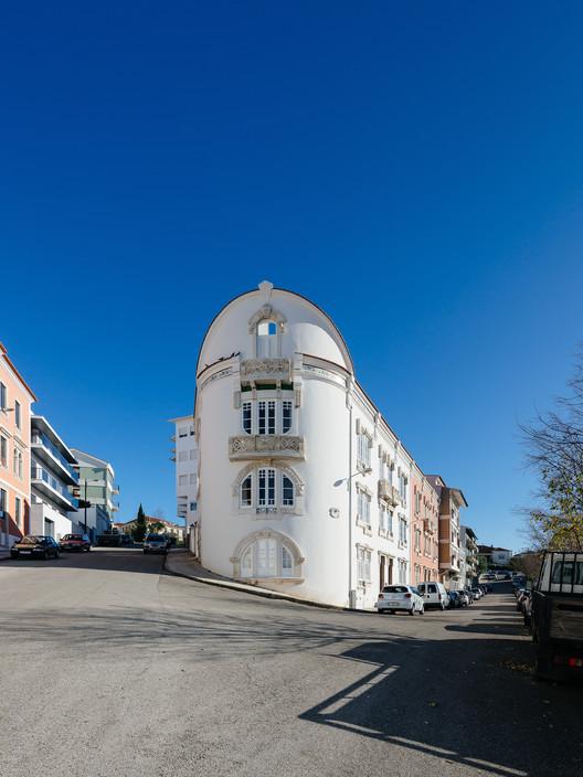 ?Redondo? Building / Branco-DelRio Arquitectos