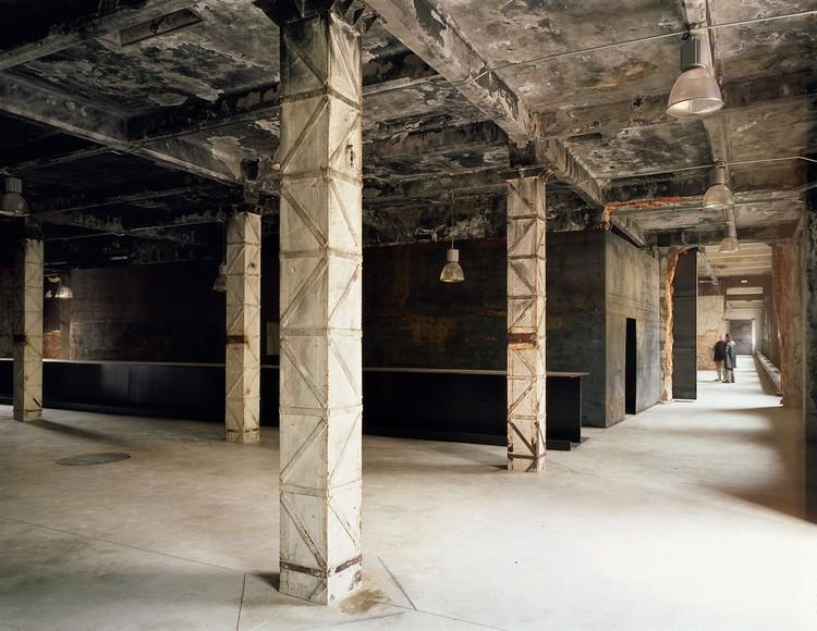 La renuncia a ocultar las huellas de los procesos materiales en la edificación, Intermediae Matadero Madrid / Arturo Franco. Image © Carlos Fernández Piñar
