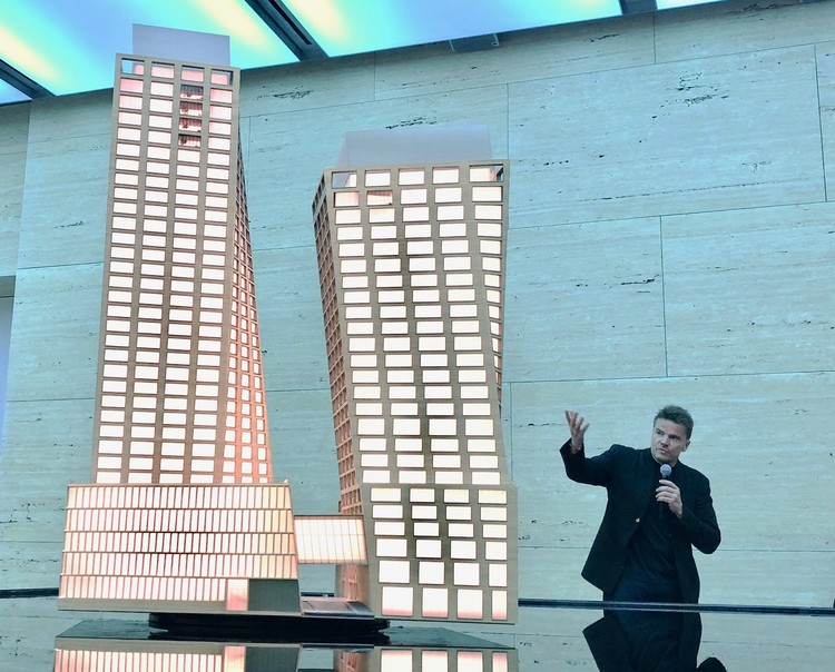 Bjarke Ingels' Twisting High Line Towers Presented in New Art Installation, © Keshia Badalge
