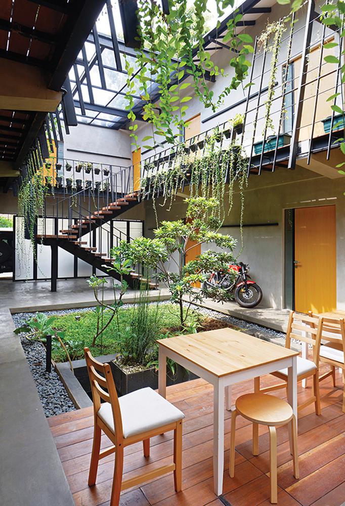 Veranda House / sigit.kusumawijaya, Indonesia, 2015 [682px × 1,000px]