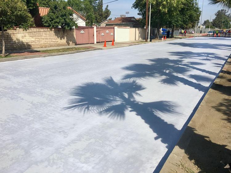 Los Angeles está volviendo a pintar de blanco sus calles y tu ciudad podría ser la siguiente