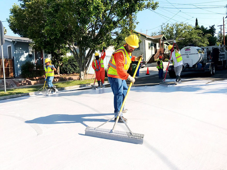 Los Angeles Is Painting the Streets White (Again), and Your City Might Be Next, © City of Los Angeles Department of Public Works Bureau of Street Services via deMilked
