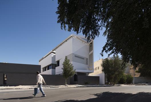 Casa Slice / Alhumaidhi Architects
