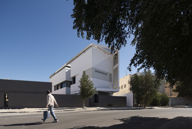 Casa Slice / Alhumaidhi Architects, © Nelson Garrido