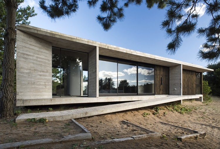 Casa Ecuestre / Luciano Kruk, © Daniela Mac Adden