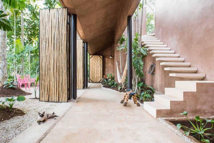 Pórtico Palmeto Building  / TACO taller de arquitectura contextual , © Leo Espinosa