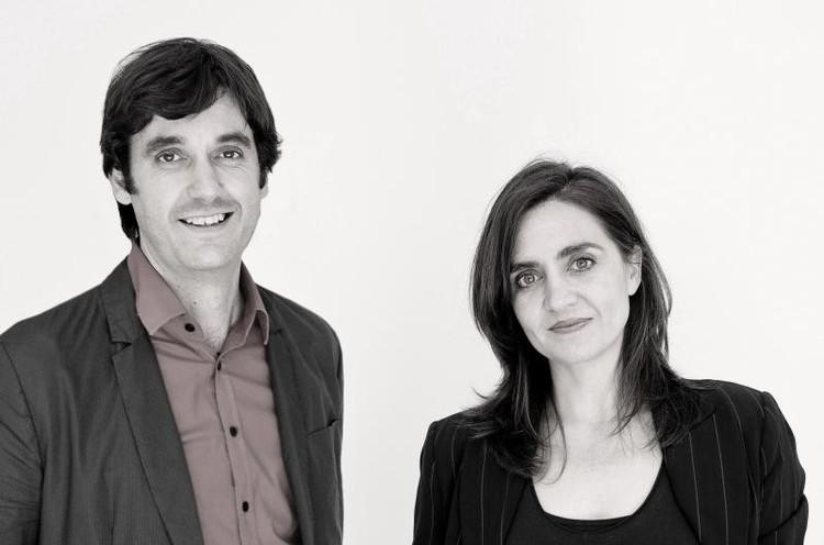 José Luis Vallejo: 'La formación del arquitecto sigue siendo la misma a pesar de que la sociedad ha cambiado', José Luis Vallejo (izq) y Belinda Tato. Image © IE School of Architecutre and Design