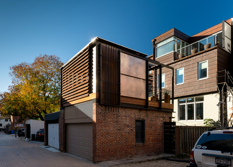 Alley Armor / KUBE Architecture, © Paul Burke