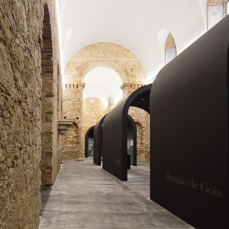 Damião de Góis Museum and the Victims of the Inquisition / spaceworkers, © Fernando Guerra | FG+SG