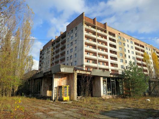 Abandoned Pripyat. Image © <a href='https://www.flickr.com/photos/rapidtravelchai/13511309464/in/photolist-4QyBbS-hx7pa4-4Quo3Z-5dRKB7-Jnwntu-24wnxKp-E391AK-UAm2R9-23rxESb-mzWZzs-24wm1BK-24smu7E-24sjH7b-ESbcer-6Ghkma-VhC7ky-23rwN7d-Gozy49-21Lnsdb-ES97TX-ES8oLF-GoAxhs-23a6hYF-24smYq3-23a4FWD'>Flickr user rapidtravelchai</a></noindex></noindex> licensed under <noindex><noindex><a target=