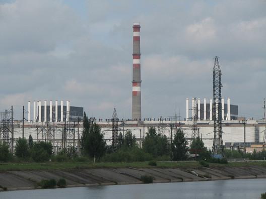 "Reactor 1 and 2, Chernobyl. Image © <a href='https://www.flickr.com/photos/pricey/789760160/in/photolist-2cMJbu-S1h3Ni-G8UJNf-HbTHda-oDXEJ-SSthoT-JFpB8R-oDXyo-76kFmX-sfX8km-atjDdx-8EJBQm-GbcxvD-GbcuAR-FL67kj-FfKC19-G8UGMb-Gbchbv-25mkvaF-FBeQuK-HgSNsj-8EJX9S-5m9vfu-22Epjzj-fai36Q-8EJP1W-4jMERm-JFuDgD-YYzhkv-eFqCuS-21dq2oQ-8EFHU8-JNchnk-JHtYnz-eFjvSp-FL5WM1-eFjUo8-9CgDwH-eFjVzX-8EFHHn-db7LuX-FfKyiE-nJ9LMQ-eFjXCe-eFqZwj-eFjXta-GdgVda-JNdWi8-9CgM8z-db7NcT'>Flickr user Chris Price</a></noindex></noindex> licensed under <ahref='https://creativecommons.org/licenses/by-nd/2.0/'>CC BY-ND 2.0</a>"" title=""Reactor 1 and 2, Chernobyl. Image © <noindex><noindex><a target="