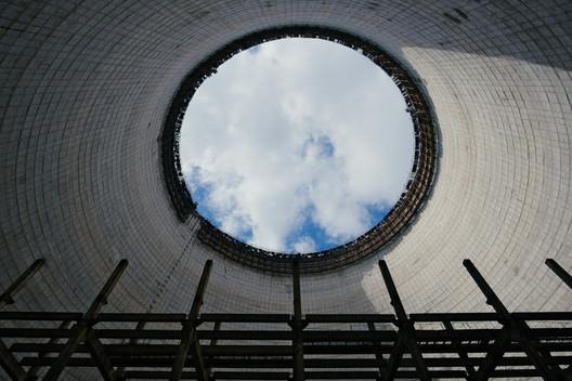 "The unfinished 5th reactor at Chernobyl. Image © <a href='https://www.flickr.com/photos/spoilt_exile/35540029246/in/photolist-W9xWuW-8EJWzQ-8EFKjR-nYASP9-b5mfSF-KaKzfq-JoyU1p-LeqYKQ-db7Rjb-g9sy6Z-eFjTwt-8EJRUJ-9HxbYc-9ChyMP-eFqD41-9r6syY-b5jZX8-8E3Gq8-UBvtEu-eFjVJH-2cMJbu-S1h3Ni-G8UJNf-HbTHda-oDXEJ-SSthoT-JFpB8R-oDXyo-76kFmX-sfX8km-atjDdx-8EJBQm-GbcxvD-GbcuAR-FL67kj-FfKC19-G8UGMb-Gbchbv-25mkvaF-FBeQuK-HgSNsj-8EJX9S-5m9vfu-22Epjzj-fai36Q-8EJP1W-4jMERm-JFuDgD-YYzhkv-eFqCuS'>Flickr user spoilt_exile</a></noindex></noindex> licensed under <ahref='https://creativecommons.org/licenses/by-sa/2.0/'>CC BY-SA 2.0</a>"" title=""The unfinished 5th reactor at Chernobyl. Image © <noindex><noindex><a target="