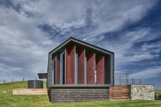 Escarpment House / Atelier Andy Carson