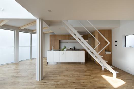 32.4°House / Naf Architect & Design