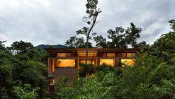 Casa na praia do Prumirim / brro arquitetos