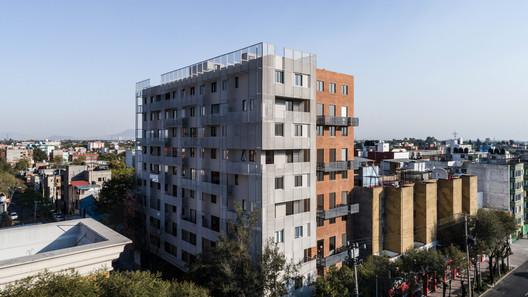 Edificio TLALPAN 590 / tallerdea + KOZ architectes