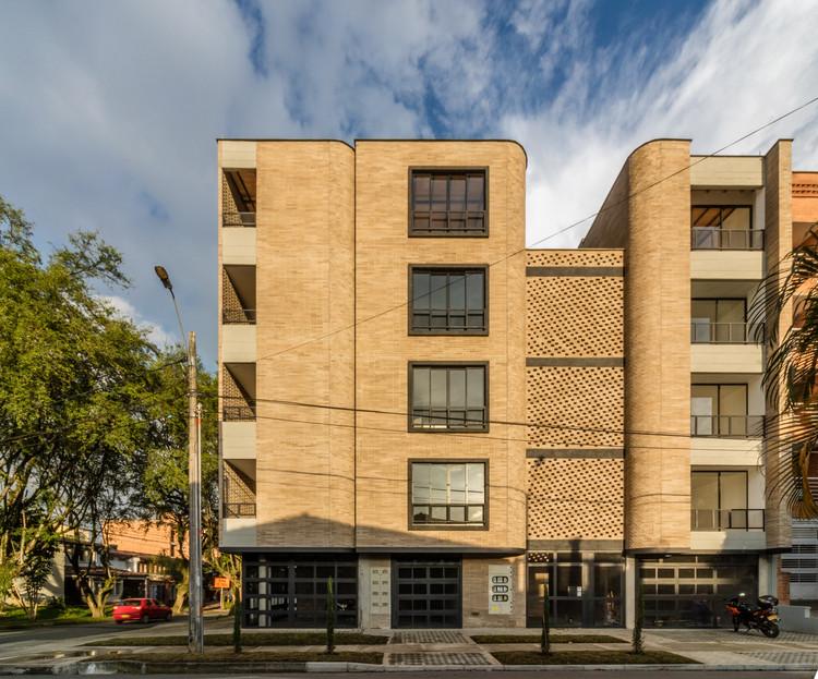 Edifício La Palma / Planta Baja Estudio de Arquitectura, © Mauricio Carvajal