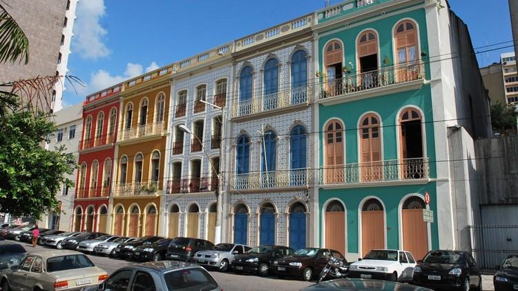 Casas históricas do período colonial de Belém. Image © Neldson Neves