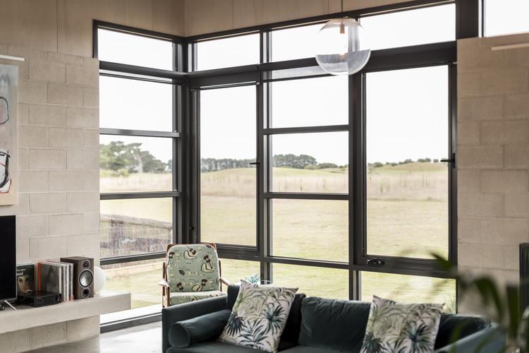 Golf Course House / Bespoke Architects