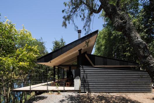 Casa Chucao Lago Calafquén / ABESTUDIO