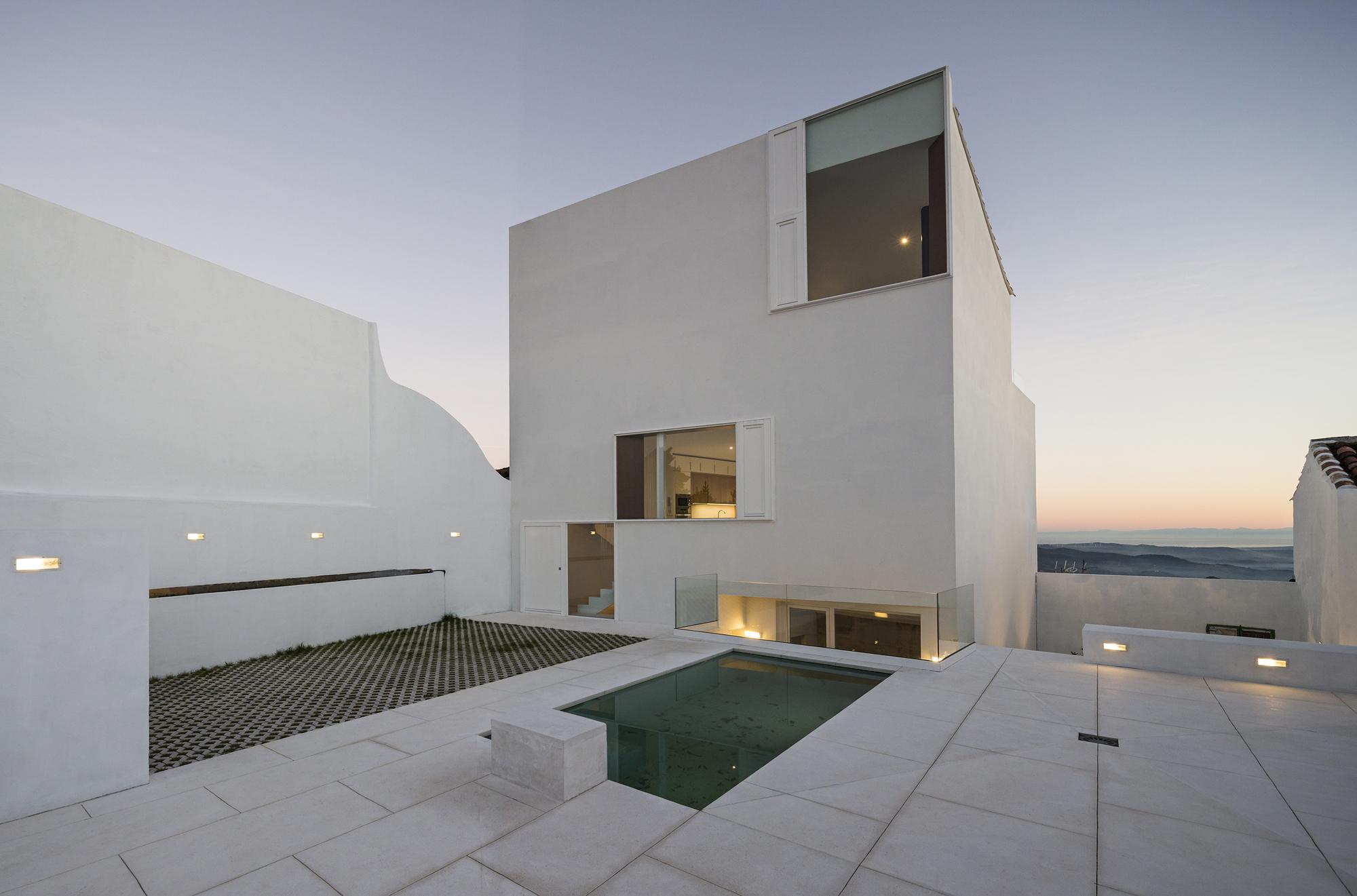 galeria de casa claire dtr studio architects 9. Black Bedroom Furniture Sets. Home Design Ideas