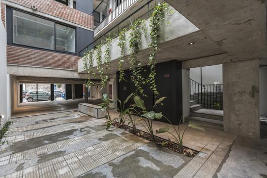 Juana Azurduy 1635 Building / BAAG