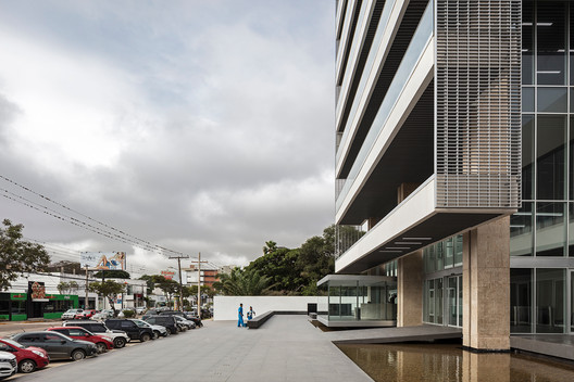 Ambassador Business Center / Jorge Gambini + Hans Kenning