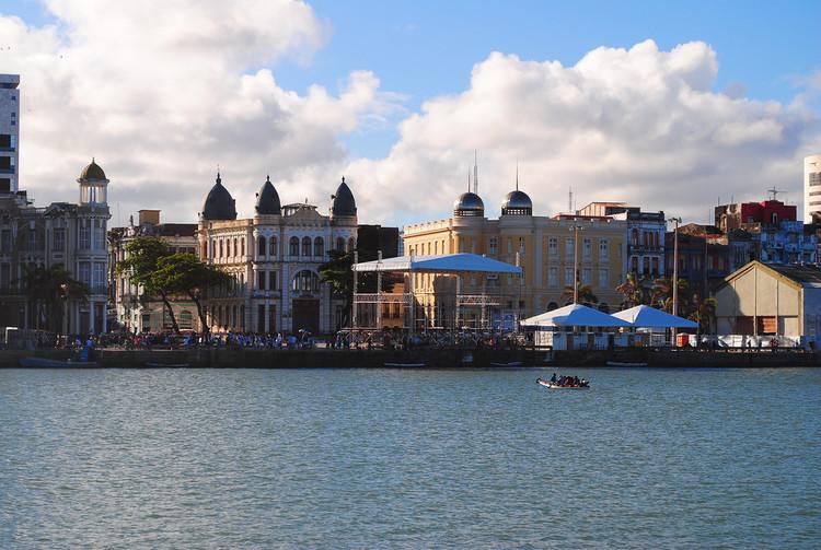 Aplicativo registra literatura e poesia espalhadas pelas ruas de Recife, Centro de Recife-PE. Image © Rafael Ferreira Pimentel, via Flickr. Licença CC BY-NC 2.0