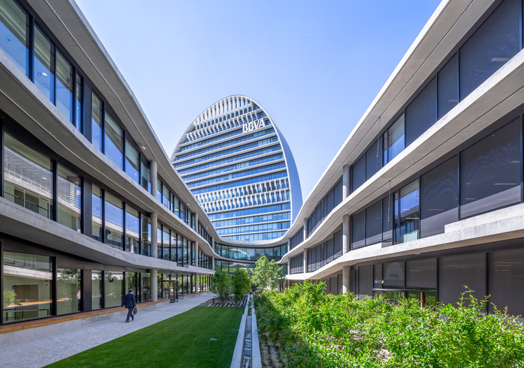 BBVA Headquarters / Herzog & d...