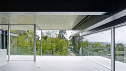 House with a Missing Column / Christian Kerez