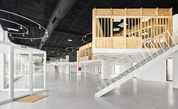 Showroom Plicosa / Miel Arquitectos, © José Hevia