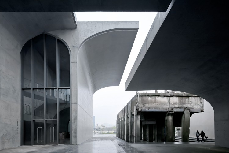 """Atelier Deshaus: """"The Idea Is Not to Create an Object But to Construct a Path"""", Long Museum West Bund, Shanghai, 2014. Image © Su Shengliang"""