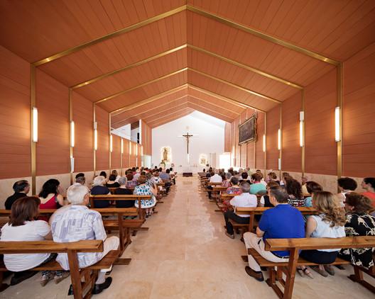 Iglesia Parroquial en Brácana / Fresneda & Zamora Arquitectura