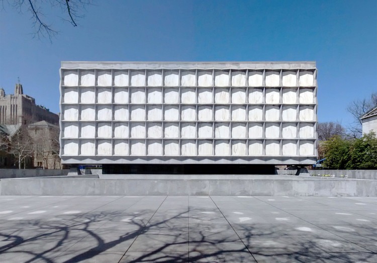 Spotlight: Gordon Bunshaft, AD Classics: Beinecke Rare Book & Manuscript Library. Image © <a href='https://en.wikipedia.org/wiki/Beinecke_Rare_Book_%26_Manuscript_Library#/media/File:Beinecke-Rare-Book-Manuscript-Library-Yale-University-Hewitt-Quadrangle-New-Haven-Connecticut-Apr-2014-a.jpg'>Wikimedia Commons user Gunnar Klack</a> licensed under <a href='https://creativecommons.org/licenses/by-sa/4.0/'>CC BY-SA 4.0</a>