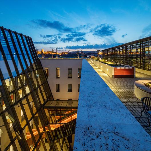 Central European University. Image © Tamás Bujnovszky