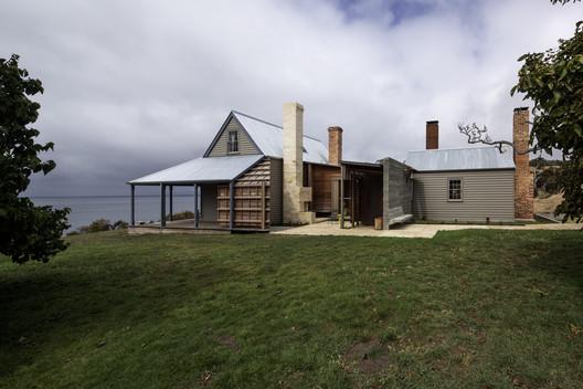 Captain Kelly's Cottage. Image © Trevor Mein