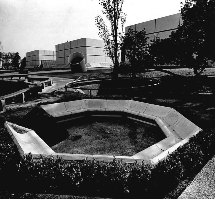 Clásicos de Arquitectura: ATC Argentina Televisora Color / Manteola, Sánchez Gómez, Santos, Solsona, Viñoly, Sallaberry y Tarsitano, Cortesía de Archivo MSGSSS