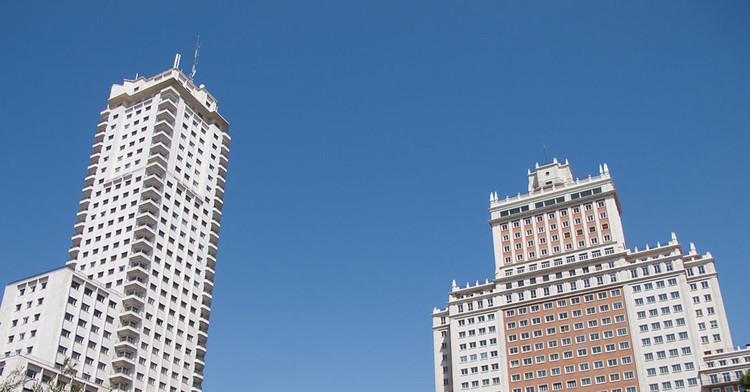 Falsos criticismos: Edificio España versus Torre de Madrid, © Carlos Delgado  [Wikipedia] CC BY-NC 3.0]